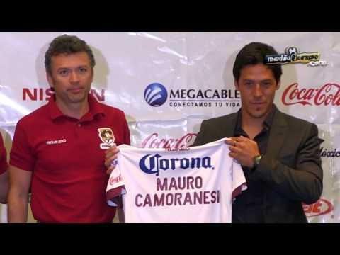 Coras presentó a Mauro Camoranesi como su DT