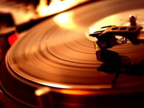 Ercola Feat. Annie - Follow Me (Ossie's Poza Mix)
