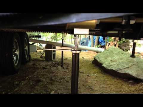 how-rv-camper-slide-out-stabilizer-jack-supports-work
