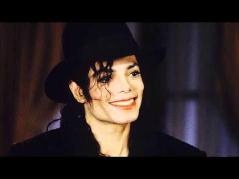 Behind The Mask - Michael Jackson (chipmunk Version)