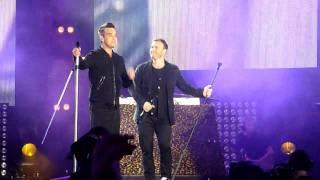 Robbie Williams & Gary Barlow - Shame @ Help for Heroes Concert London 12/9/2010