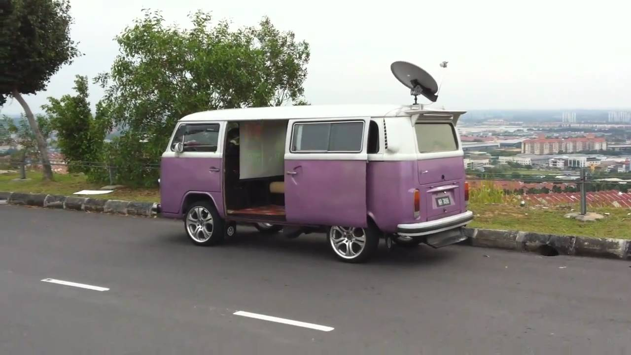 vw kombi bus bay window satellite tv dish projector screen youtube. Black Bedroom Furniture Sets. Home Design Ideas