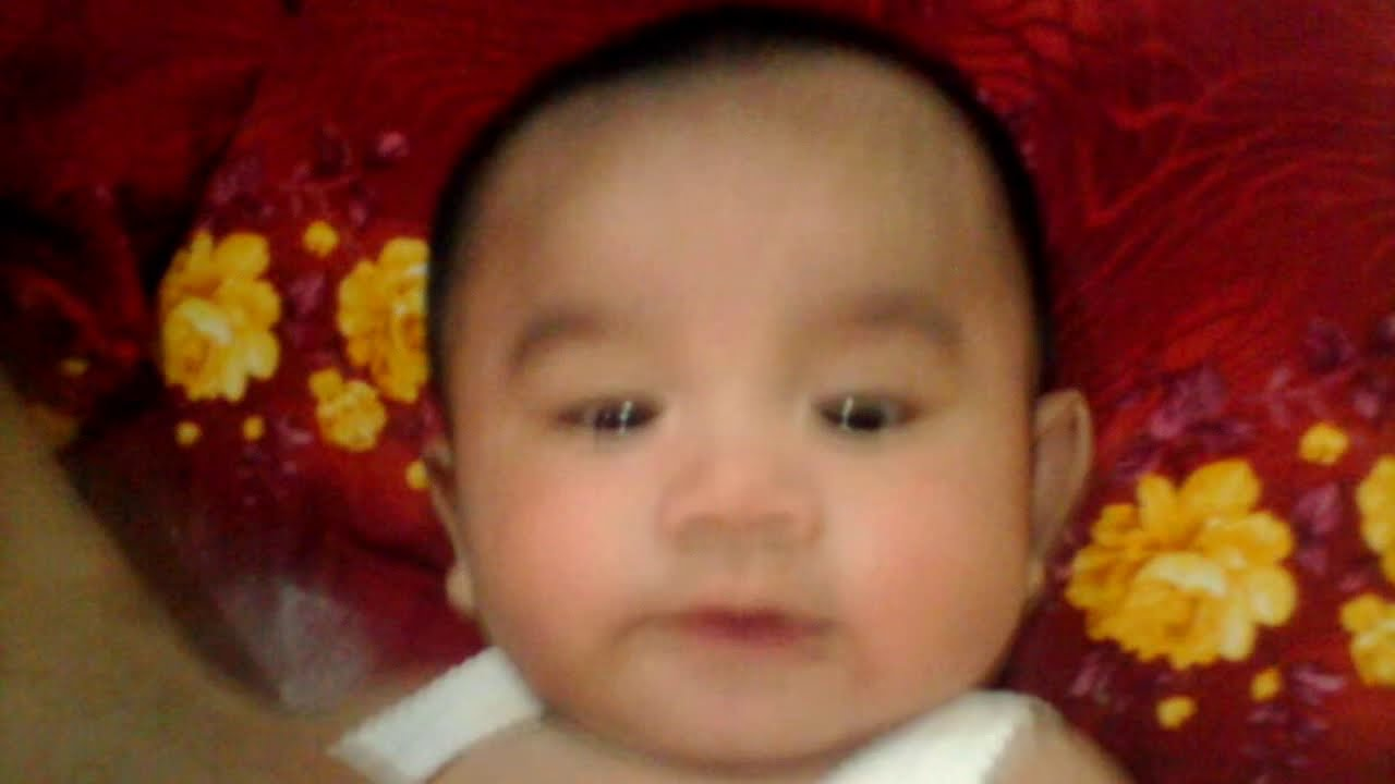 Untuk bayi yang baru lahir, ibu bapa Peru membacakan - YouTube