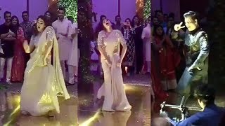 Sara Ali Khan & Karan Johar's Drunk Dance Video At Abujani Sandeep Khosla's Neice Wedding Reception