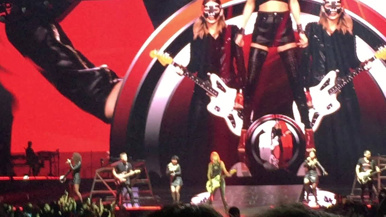 Taylor Swift 1989 World Tour We Are Never Ever Getting Back Together Youtube