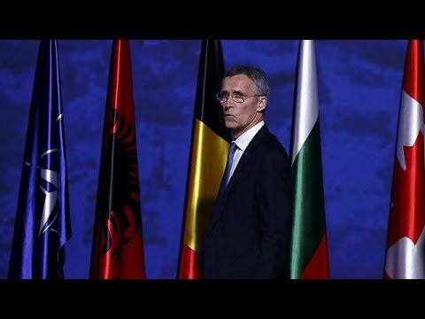 """La Nato dispiega 4 battaglioni al confine est, Stoltenberg """"dialogo con Russia"""""""