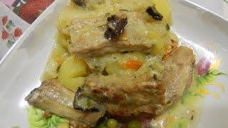 Картофель тушеный с свиными ребрышками в духовке. Вторые блюда.