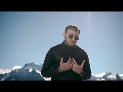 Смотреть клип Султан Лагучев - Cкучает Осень