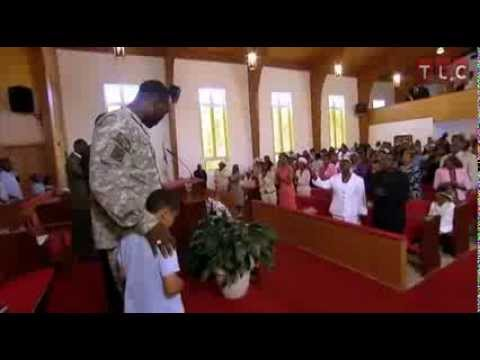 Single Dad Soldier Surprises His Kids at Church