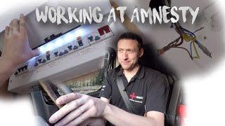 Kitting a new Amnesty store in Kentish Town | Thomas Nagy