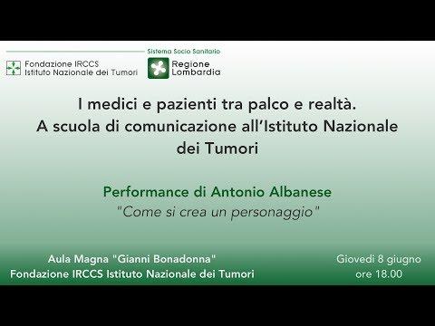 Antonio Albanese. I Medici tra palco e realtà