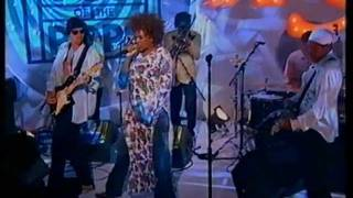 Macy Gray - Sexual Revolution - Top Of The Pops - Friday 7th December 2001