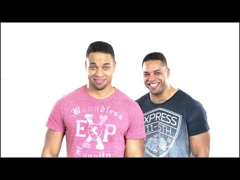 Lion Attacks Woman At Zoo @Hodgetwins