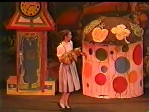 The Wizard of Oz | Warner Theater - Torrington, CT - August 1999