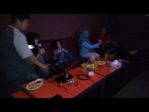 Ada eho ho ho ho... #karaoke 🎤 🎤