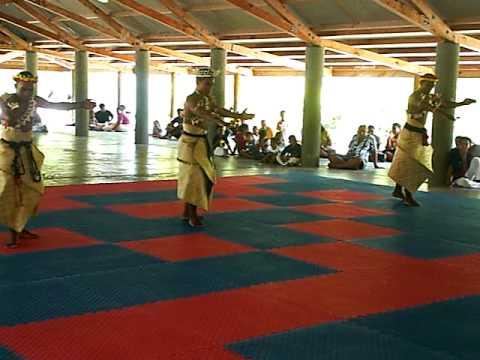 kiribati male dance