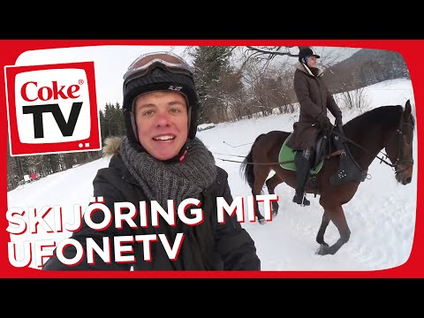 Durch den Schnee mit UFONETV und zwei Pferden beim Skijöring | #CokeTVMoment