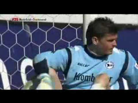 Thủ môn ghi bàn 2 (videokyniem.com)