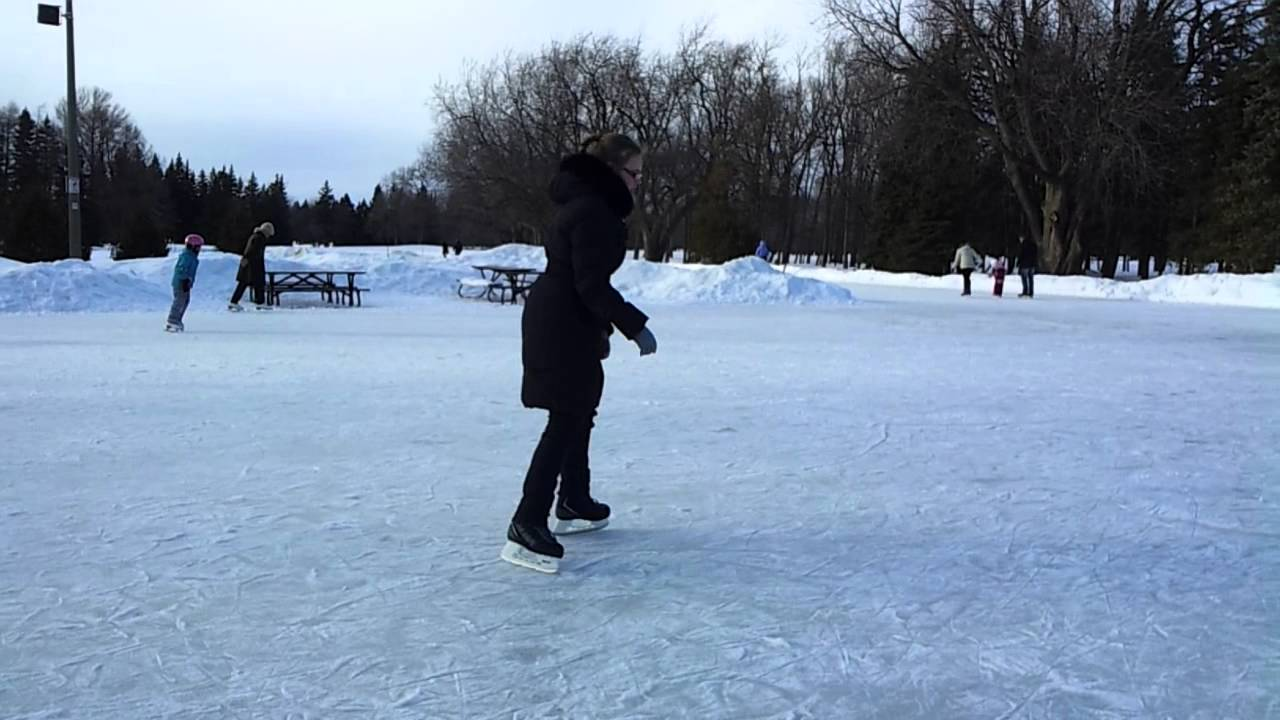 Patinoire ext rieur du parc maisonneuve youtube for Patinoir exterieur montreal