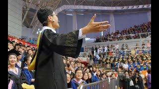 【快闪Flash】2019青岛大学毕业典礼《起风了》《青春大概》点燃全场,这是青春该有的样子