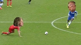 Donald Trump v Hillary Clinton Get Famous Football Moments