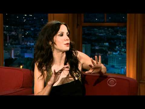 MaryLouise Parker on Craig Ferguson's Late Late  June 29, 2011
