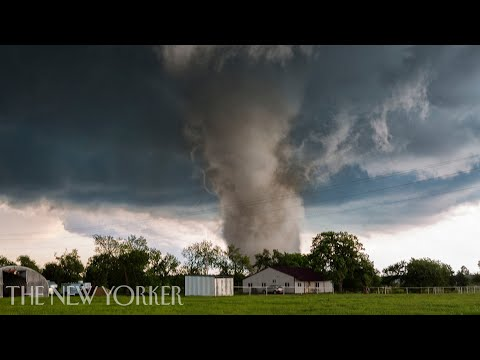 What It's Like Chasing the World's Biggest Tornadoes | The New Yorker