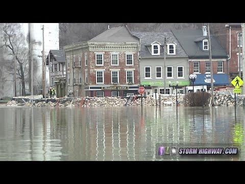 Mississippi River flood at Alton, Illinois (St. Louis metro) - December 30, 2015