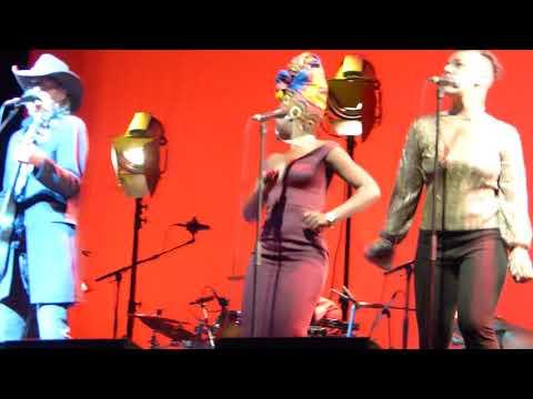The Waterboys - Medicine Bow (Live at London Palladium, London)