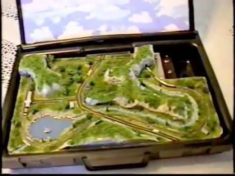 Briefcase Tiny Trains Layout in 1:900 TY Scale – Runs!