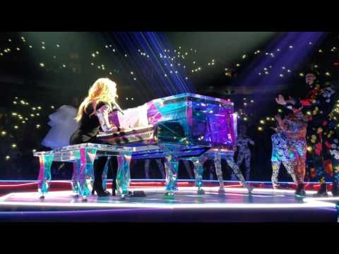 """Lady Gaga """"The Edge of Glory"""" Joanne World Tour Vancouver"""