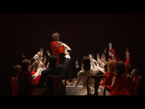 برين تريفيل يتقمص شخصية -فالستاف- الخالدة في دار الأوبرا الملكية في لندن…  - 15:21-2018 / 7 / 13