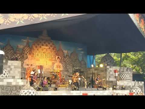Iwan Fals - Langgam Lawu (Konser Situs Budaya -Jawa Tengah)
