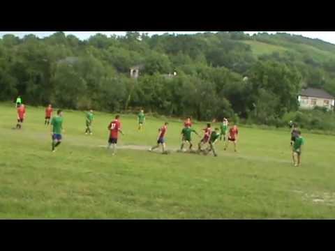 Fotbal pe ploaie Leuşeni şi Tîrşitei