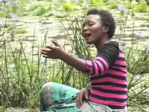 Martha Mwaipaja Tusikate Tamaa Official Video