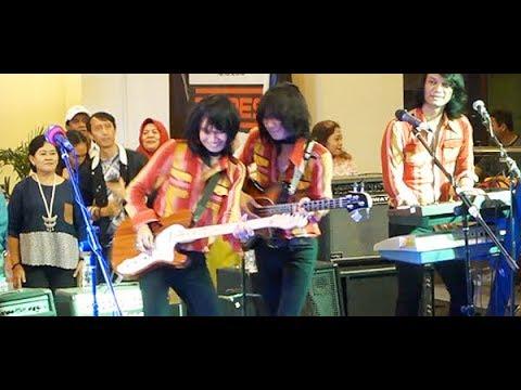 Bujangan (Koes Plus) ★ T-Koes Band @ Plaza Blok M (31/07)