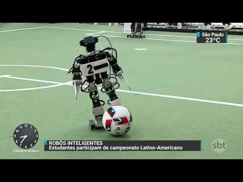 Estudantes aliam ciência e tecnologia em campeonato de robótica | SBT Brasil (10/11/17)