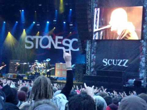 Stone Sour - Through Glass (Download 2010)