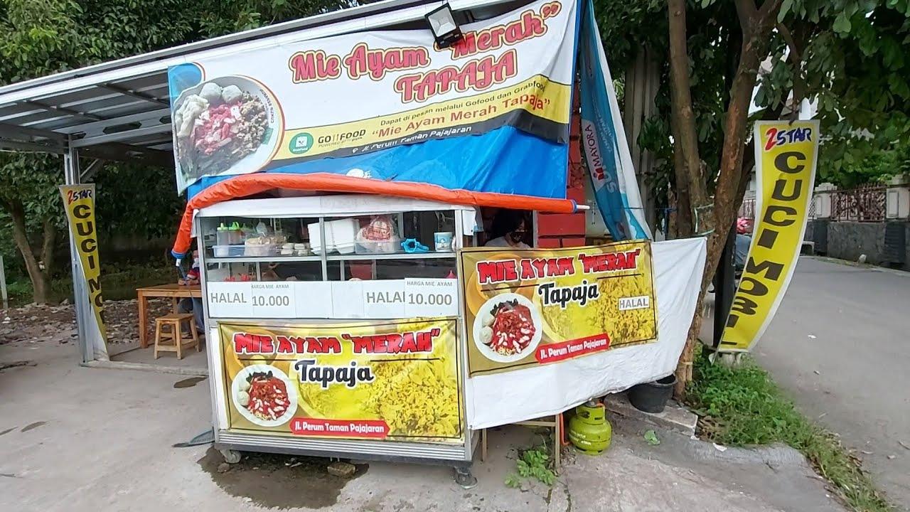 IBU INI BERJUALAN MIE AYAM MERAH KARENA SUAMINYA KENA DAMPAK PANDEMI - INDONESIAN STREET FOOD