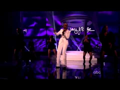 American Music Awards 2011 - Mary J. Blige...