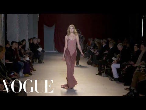 Zac Posen Ready to Wear Fall 2011 Vogue Fashion Week Runway Show