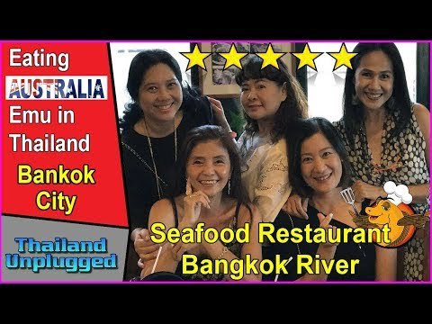 Seafood restaurant on the banks of the Bangkok River, Eating