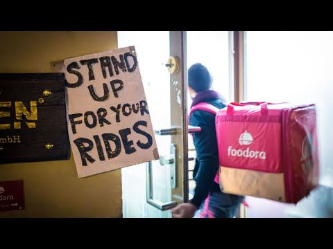 Toronto Food Couriers Are Unionizing To Battle Gig Economy Conditions