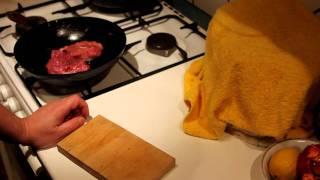 Как поджарить кусок мяса