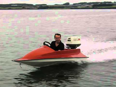 Mini speedboat - YouTube