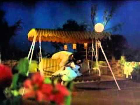 Mallelu Pooche from IntintiRamayanam movie