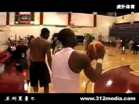 camelo-anthony&dwyane-wade-practice-3-ball