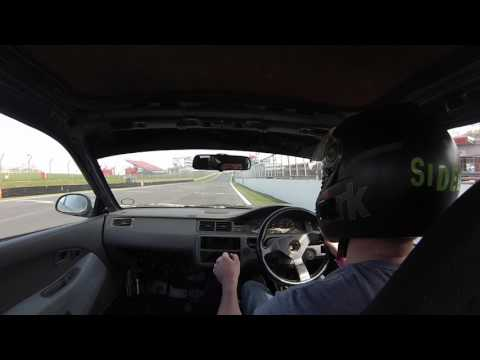 Honda Civic EG B18 vs Mazda MX5 cup car Brands Hatch track day action