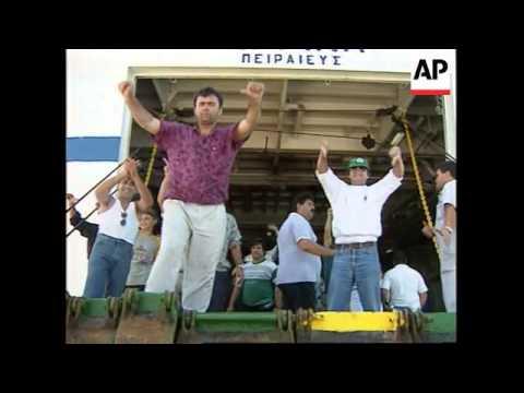Albania - Illegal immigrants return to vote