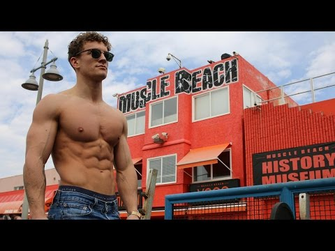 VLOG 57: ARRIVING IN L.A | MUSCLE BEACH WORKOUT